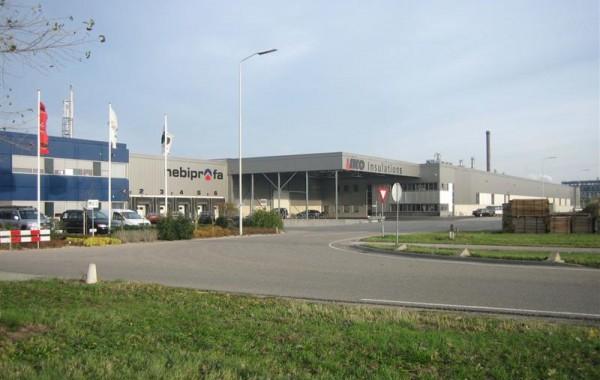 Diverse uitbreidingen productie- en distributiehallen te Moerdijk